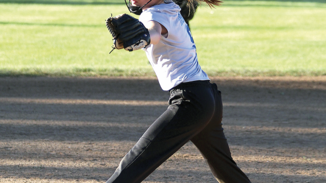 Sam Smith photo   AXENOX Turquoise Terrors pitcher Keylee Christiansen fires a pitch during the Turquoise Terrors' 11-4 win over the Club Dauntless Ruby Reds.